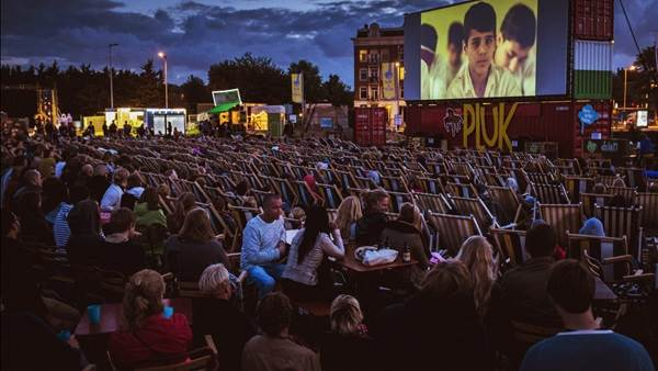 Amsterdam open air film festival Pluk de Nacht, CC BY-SA 2.0 Erwin Verbruggen via Flickr