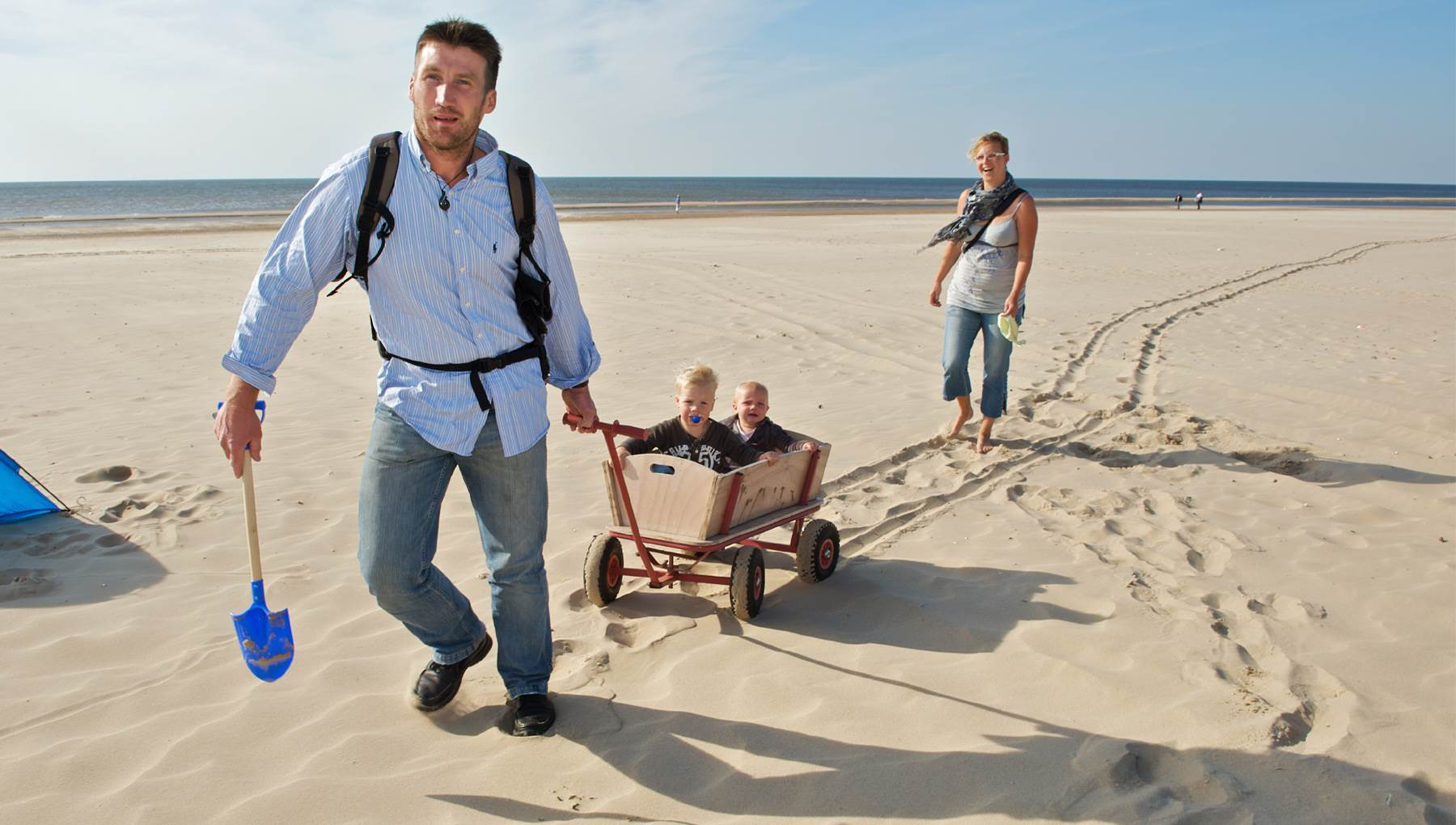 Amsterdam Family on beach Rob Verhagen