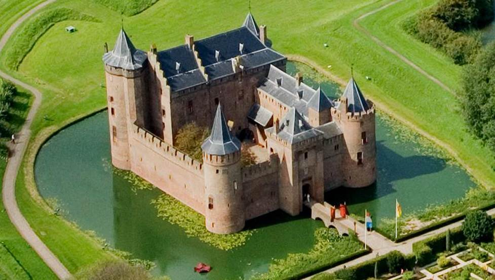 Five Dutch Fortresses Straight Out Of A Fairy Tale I Amsterdam