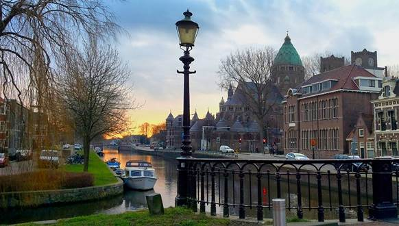 Haarlem Leidsevaart sunset CC BY 2.0 Daviddje via Flickr