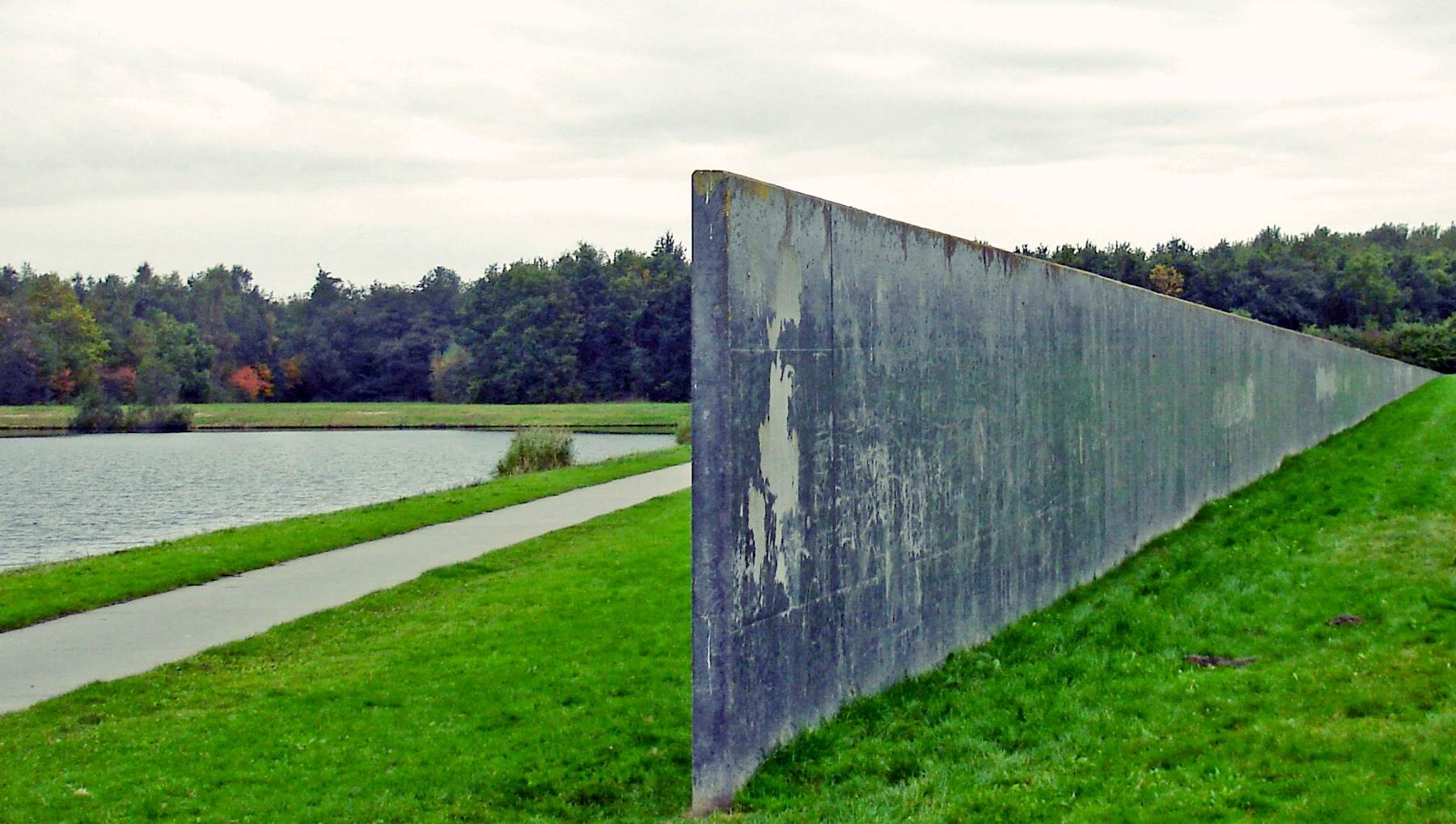 Sea Level by Richard Serra