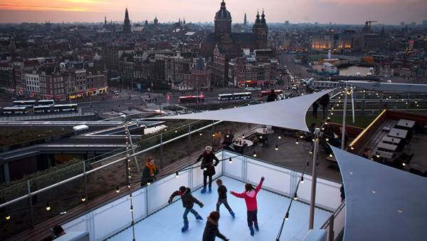 Amsterdam panorama evening skating