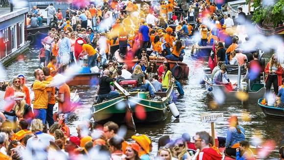 King's Day Amsterdam canal boats Cris Toala Olivares