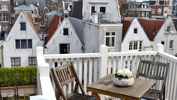 City Mundo Amsterdam apartment rental C. Vonk