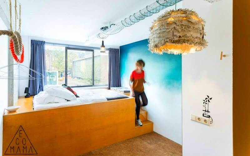 10 cheap but trendy hotels and hostels in amsterdam i for Small little luxury hotels