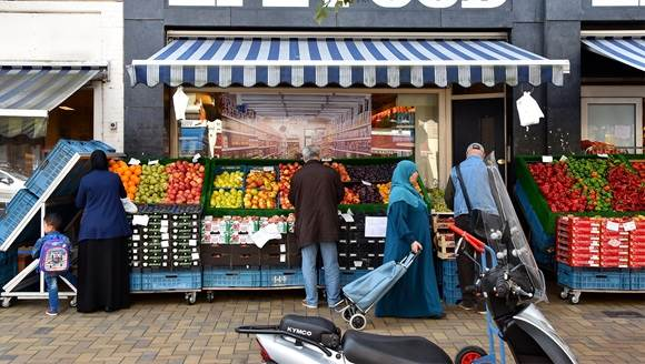 Javastraat Amsterdam food store_CC BY 2.0 FaceMePLS via Flickr