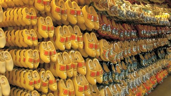 Amsterdam wooden shoes clogs shop store souvenir