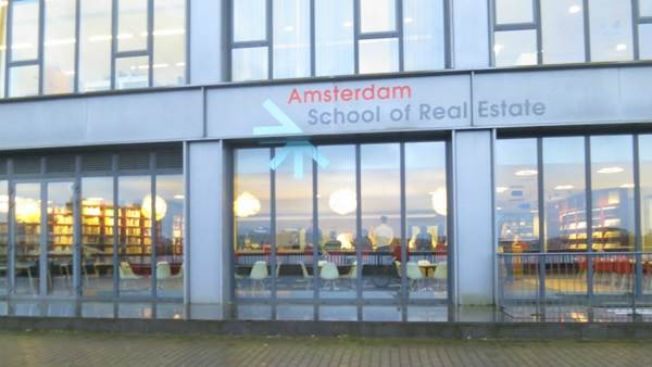 Amsterdam, School of Real Estate, University