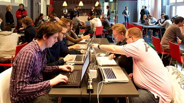 Apps voor Amsterdam Hack de Overheid CC BY-SA 2.0 Sebastiaan ter Burg via Flickr